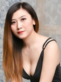 Single Ting (Linda) from Shenyang, China