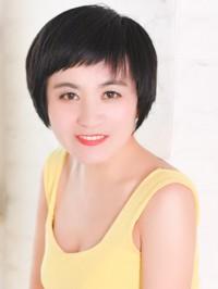 Single Yuanfang (Liz) from Shenyang, China