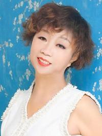 Asian woman Puyun (Edith) from Shenyang, China