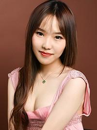 Single Yujing (Eva) from Shenyang, China