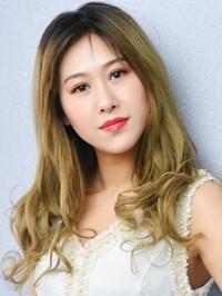 Single Yantong (Wendy) from Shenyang, China