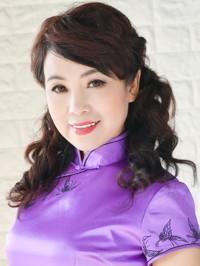 Single Hua (Cassie) from Shenyang, China