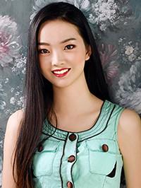Single Ziyue (Carol) from Yuyao, China