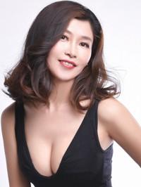 Single Yingqiu (Liz) from Fuxin, China