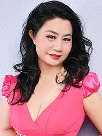 Single Hong (Vicky) from Shenyang, China