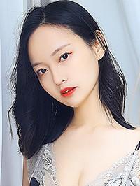 Asian woman Shuang (Sunny) from Luzhou, China