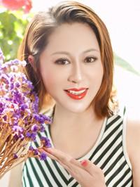 Asian woman Feiluan (Ingrid) from Fushun, China