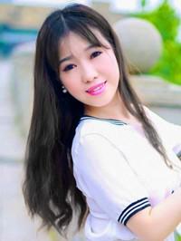 Asian woman Lingjing from Changsha, China