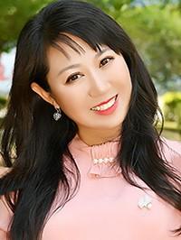 Single Xin (Olivia) from Shenyang, China