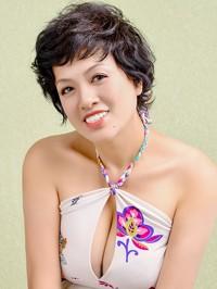 Single Fengyun (Haley) from Benxi, China