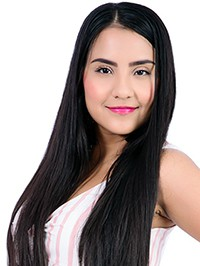 Latin woman Lenisse Alejandra from Medellín, Colombia