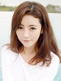 Asian woman Ping from Hengyang, China