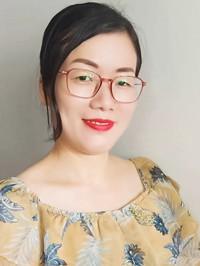 Single Lijuan (Lily) from Nanning, China