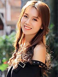 Asian woman Peishan from Nanchang, China