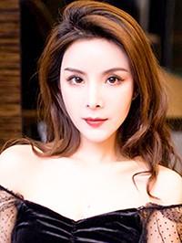Asian woman Jiao (Lisa) from Nanchang, China