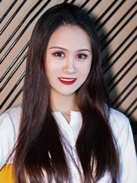 Asian woman CiCi from Henan, China
