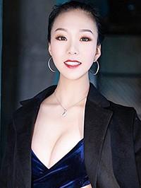 Asian woman Kiki from Henan, China