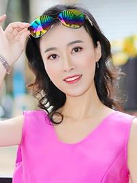 Asian woman Yucan from Xinyang, China