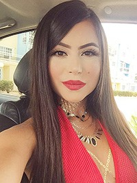 Latin woman Oriana from Caracas, Venezuela