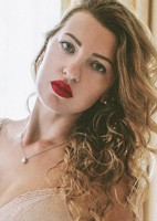 Russian single Anna from Sanremo, Italy