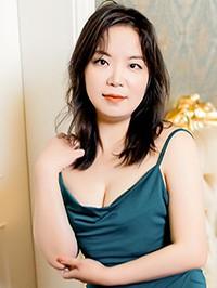 Asian woman Fang from Nanchang, China