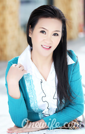 Russian bride Chunfeng from Nanning