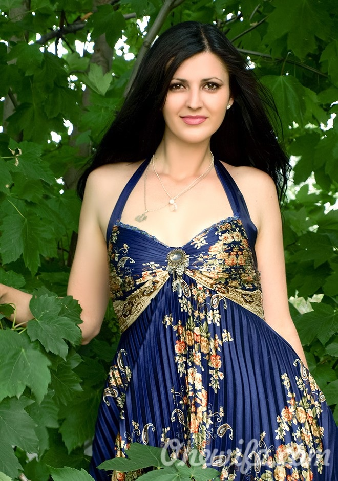 Russian bride Olena from Nikolaev
