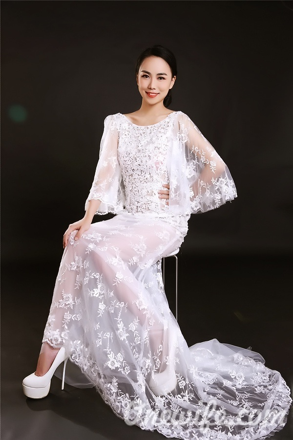 Single girl Yaqi 34 years old