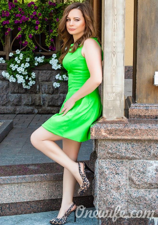 Single girl Ludmila 38 years old