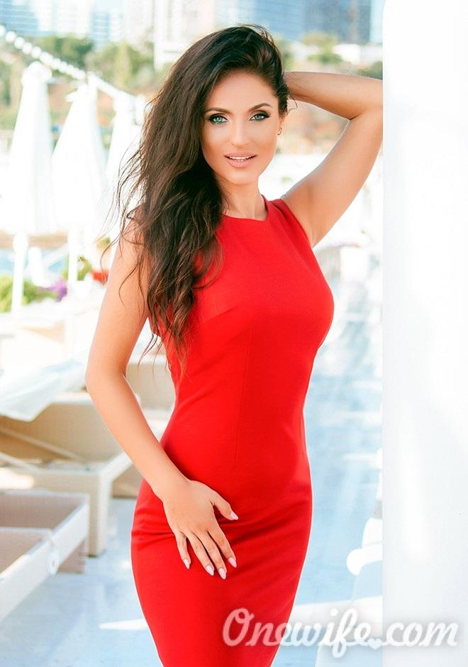 Russian bride Elena from Odessa