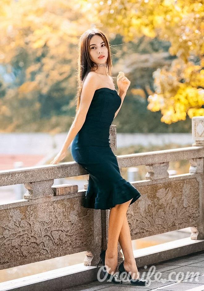 Russian bride Weijun from Changsha