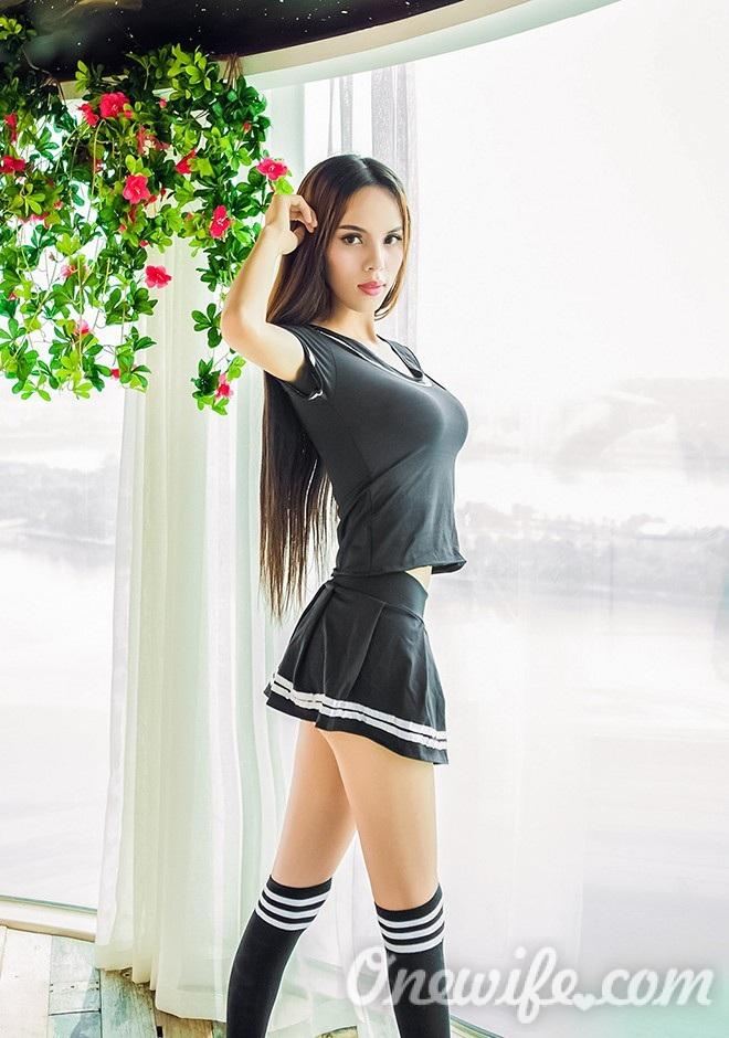 Single girl Weijun 22 years old