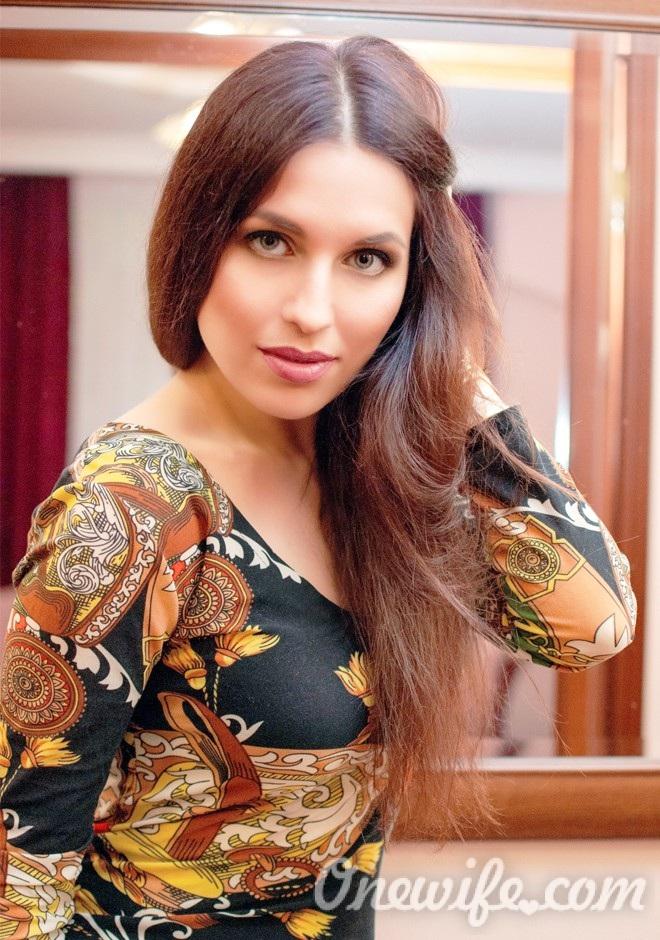 Russian bride Elena from Poltava