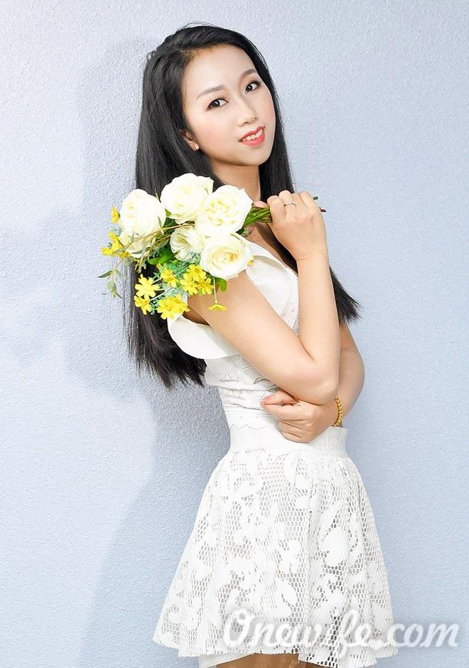 Russian bride Mingxia from Shenyang