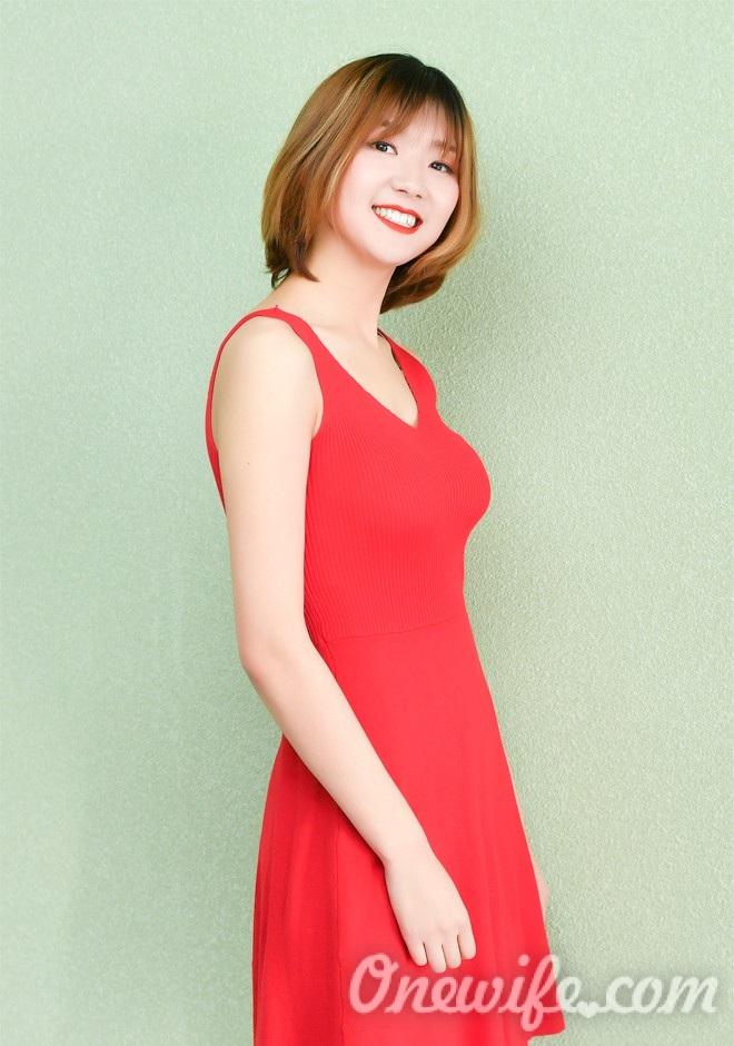 Russian bride Xiaoding (Cindy) from Jincheng