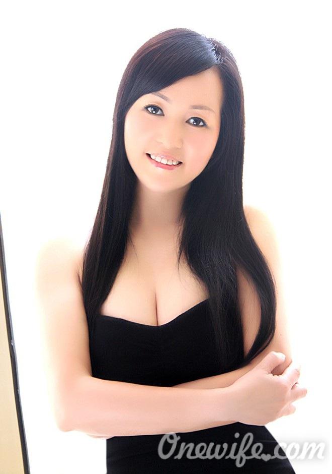 Russian bride Xingshun (Candice) from Wuhan