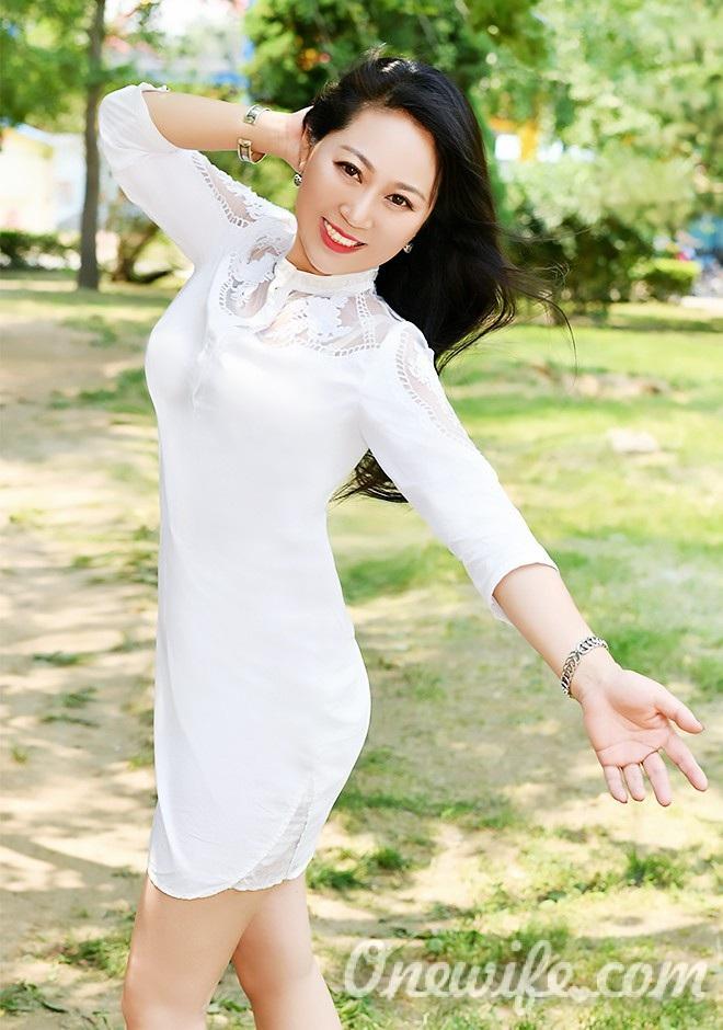 Russian bride Xin (Olivia) from Shenyang