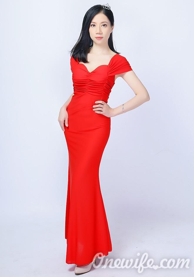 Russian bride Zhixuan from Nanning