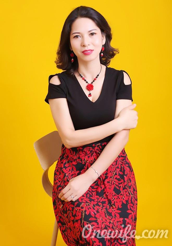 Russian bride Renxiu from Nanning