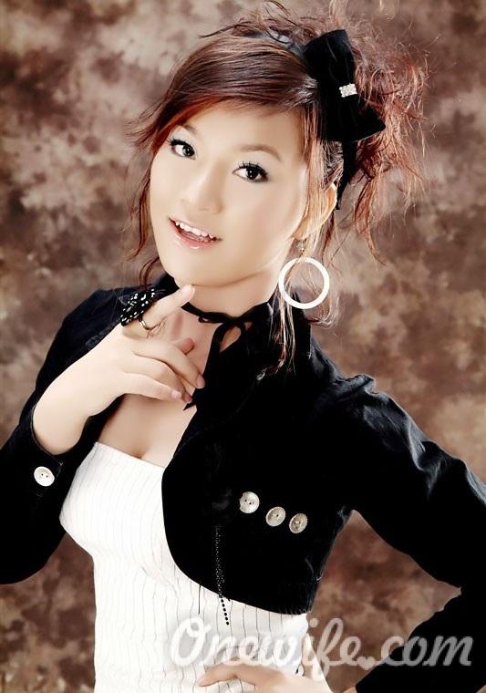 Russian bride Wenhui from Nanning