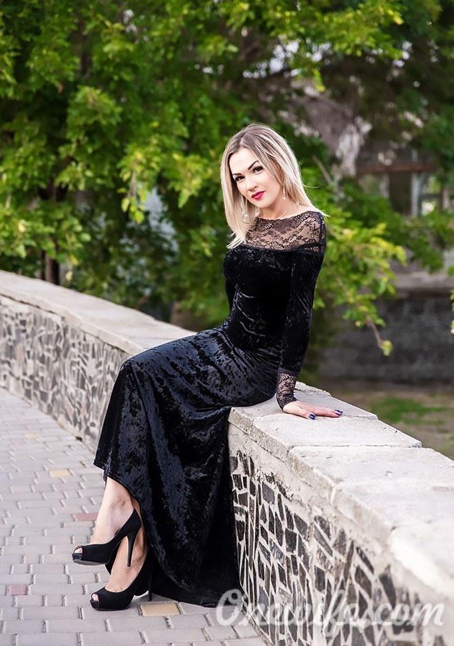 Russian bride Oksana from Odesa