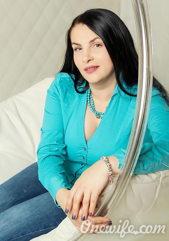 Single girl Svetlana 42 years old