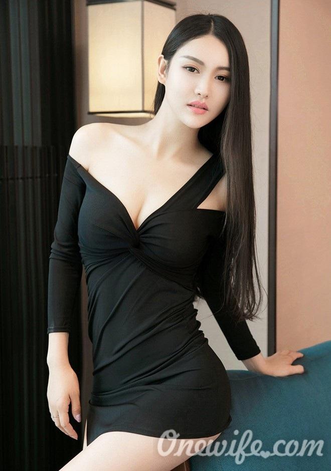 Russian bride Lei from Beijing