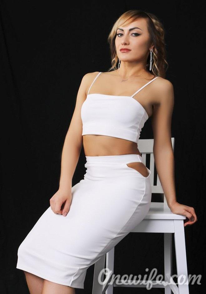 Russian bride Anjela from Kiev