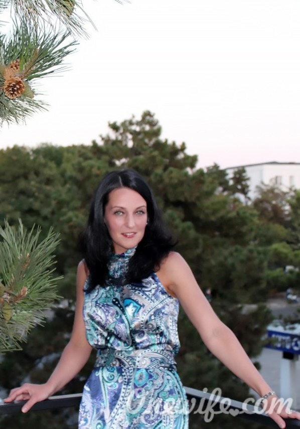 Russian bride Nadezhda from Saint Petersburg