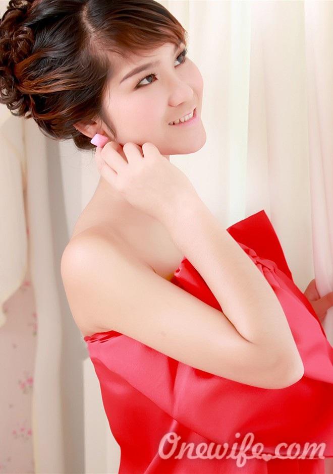 Russian bride Xiayun from Nanning