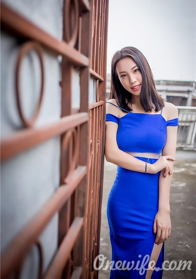 Russian bride Wanqing from Nanchang