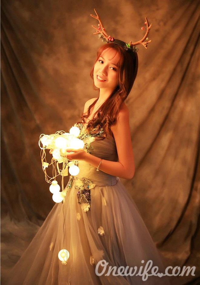 Russian bride Peishan from Nanchang