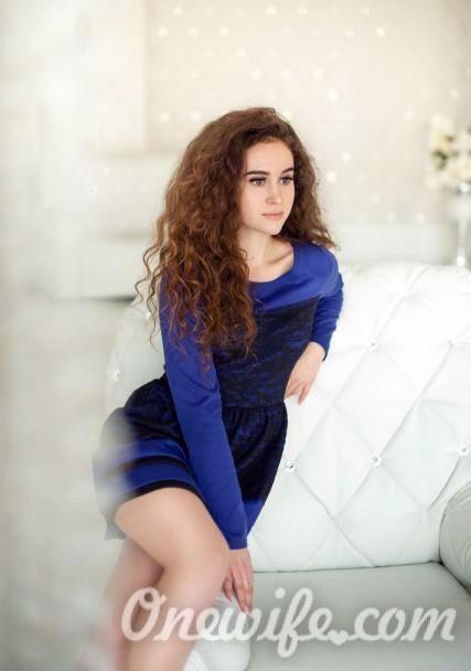 Russian bride Alina from Mariupol