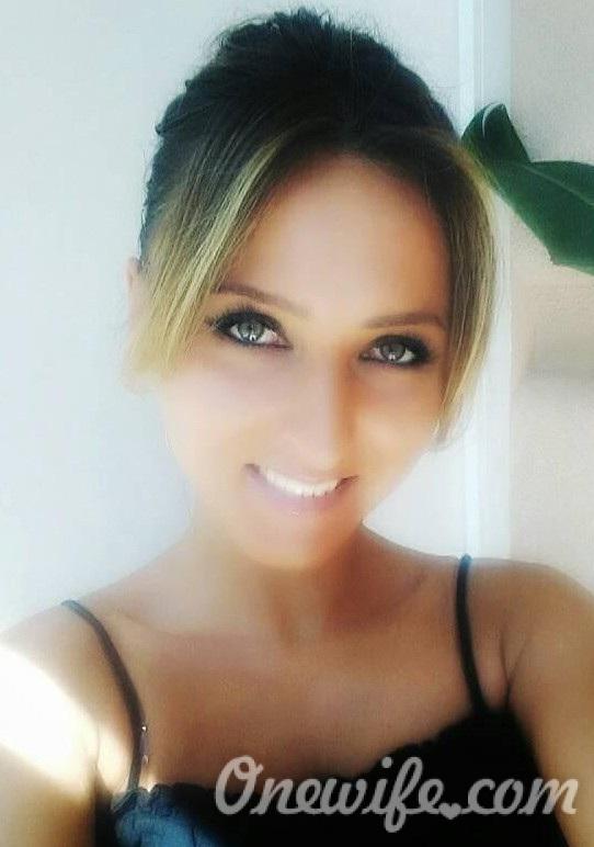 Russian bride Liliya from Khmel`nyts`kyy